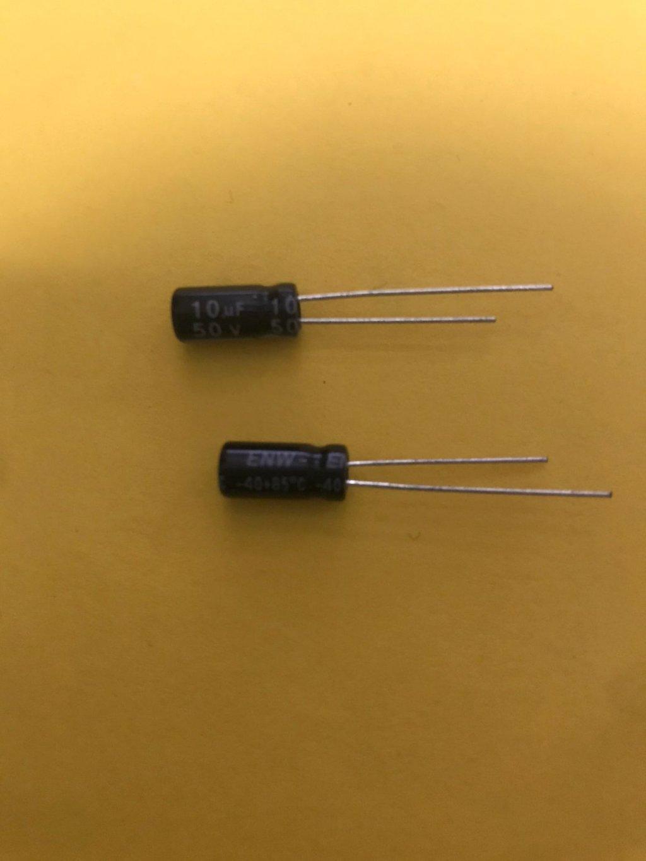 CAPACITOR ELETROLÍTICO 10 uF 50V  - 85°C