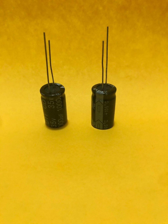 CAPACITOR ELETROLÍTICO 1000uF / 35V - 105°C