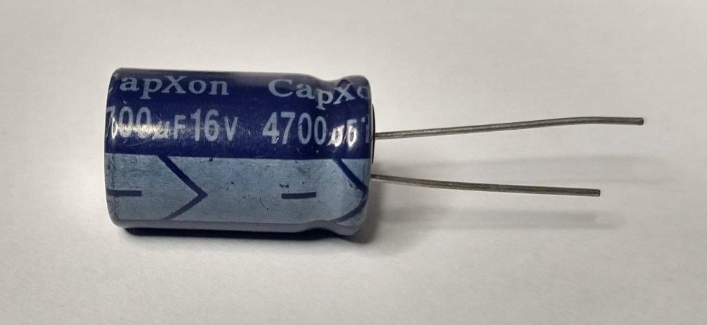 Capacitor Eletrolitico CapXon 4700uF 16V