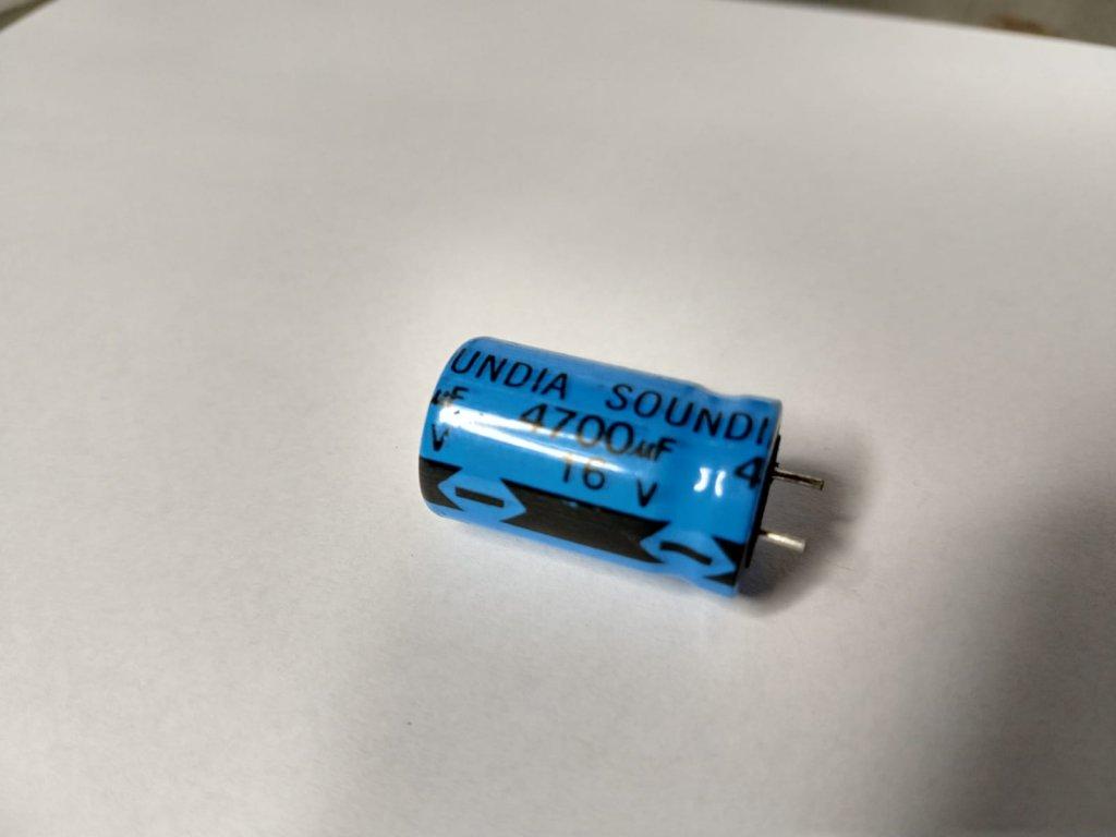 Capacitor Eletrolítico Soundia 4700uF 16V