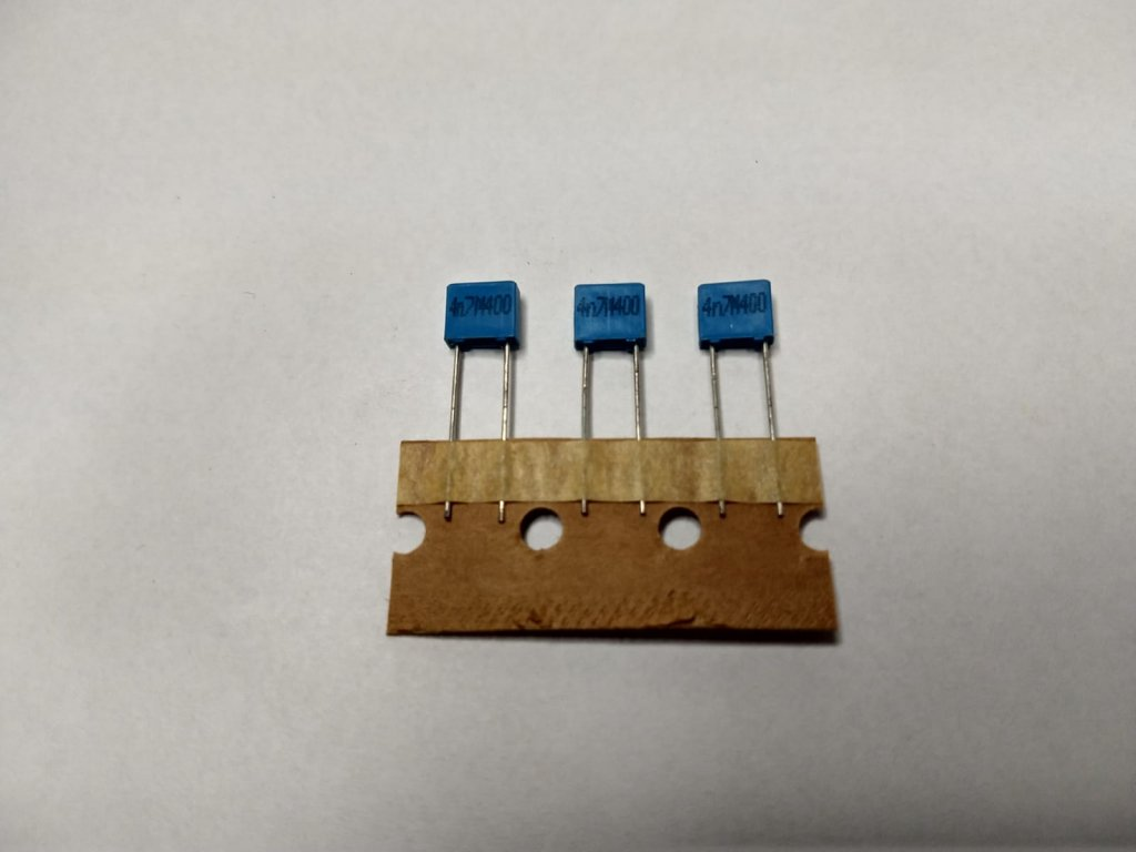 Capacitor Poliester 4,7nF 400V