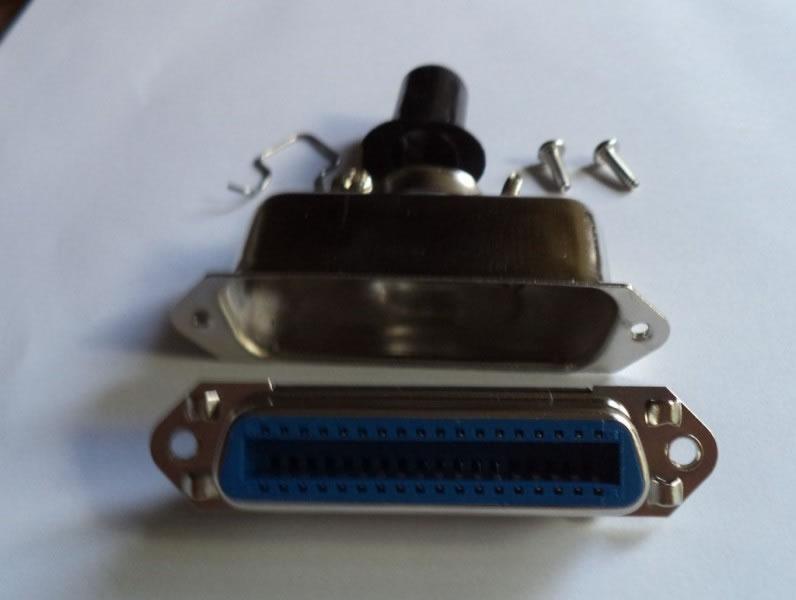 Conector Centronics Fêmea solda fio com capa metalica  36 Pinos