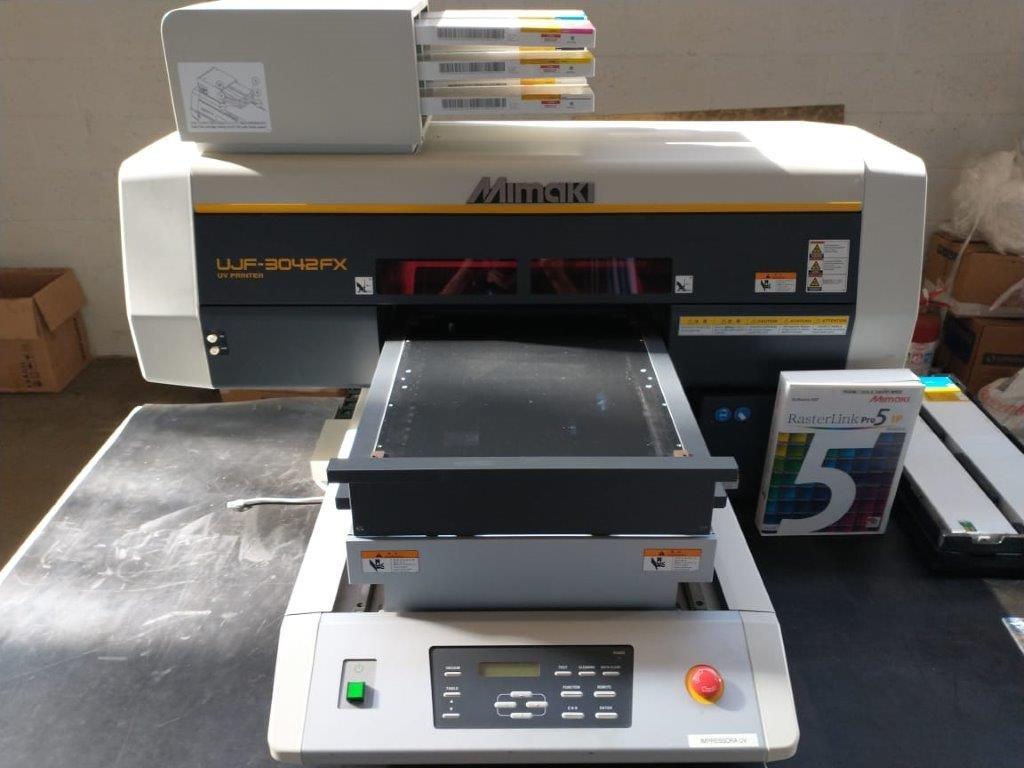 Impressora Mimaki modelo UJF-3042FX