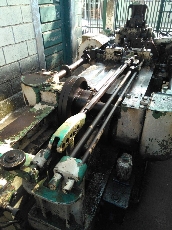 Máquina para fabricar molas e peças estampadas tipo Bihler