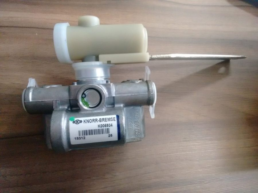 Válvula Niveladora Suspensão Onibus 0500005001 / 0500005002
