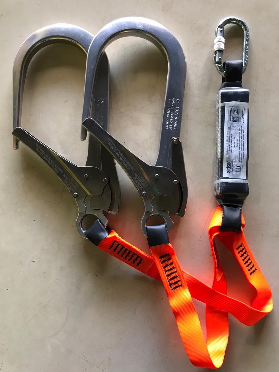 Talabarte de Segurança com Ganchos de 110mm