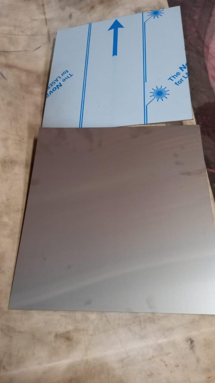 Retalho Inox AISI 304 escovado 0,40 x 320 x 300mm com película
