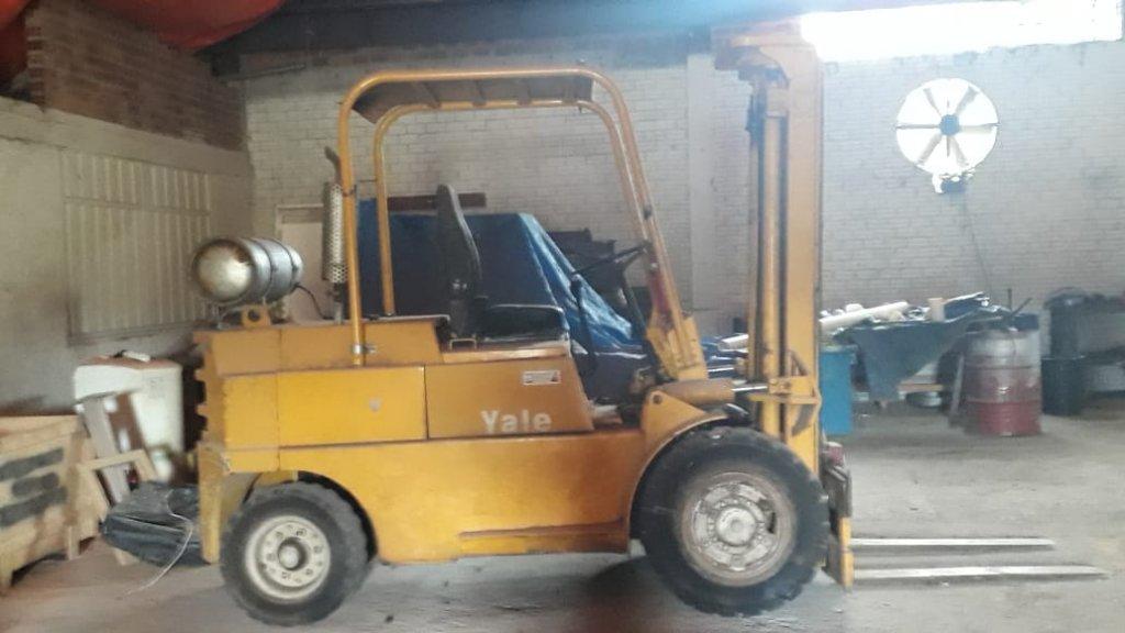 Empilhadeira 4 ton - Motor Opala 1986
