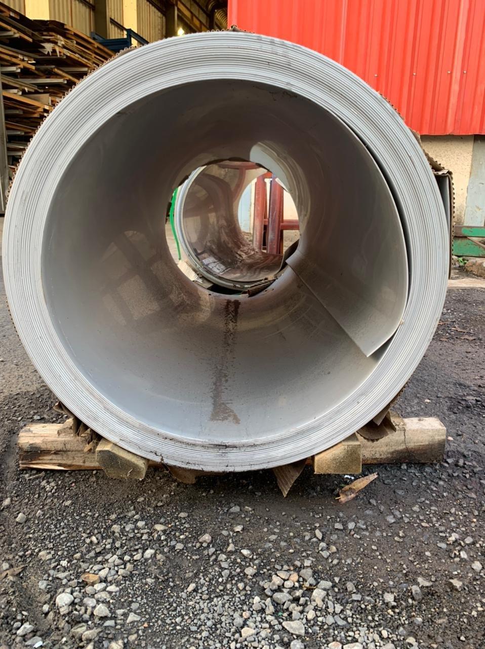 Bobinas Inox 304 escovado - 3,00mm x 1240mm com película preta/branca